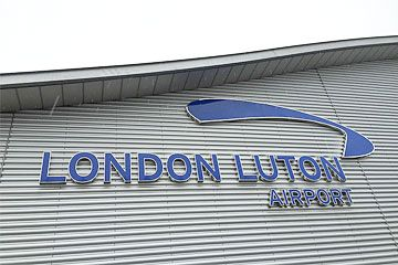 Sherfield On Loddon to Luton Airport Transfers